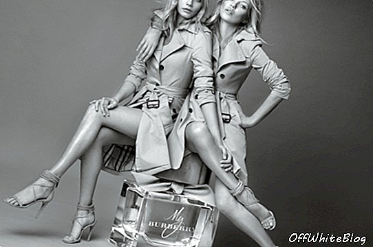 Cara Delevingne a Kate Moss Cuddle pro Burberry