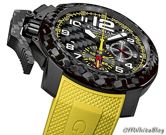 Graham Chronofighter Superlight Carbon met gele en rode chronograafwijzers