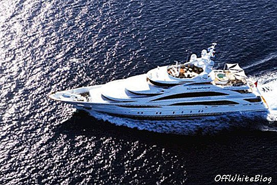 Benetti lansira supeachach Diamonds Are Forever