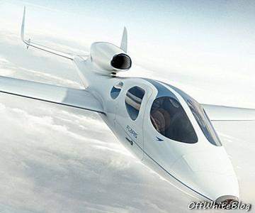 Private Jets Are Now Passé: The Flaris LAR 1 Personal Jet Fits In Your Garage - stralen